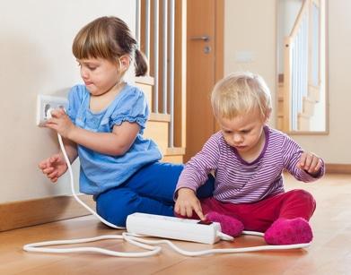 Veilige stopcontacten en snoeren voor uw kind